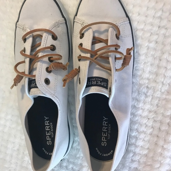 Sperry Womens Crest Vibe Sneaker 85